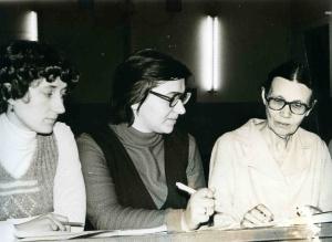 Козлова (справа)